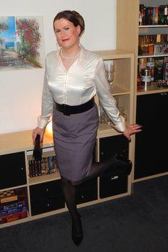 Office Fashion Women, Curvy Women Fashion, Womens Fashion, Blouse And Skirt, Blouse Outfit, Satin Bluse, Pencil Skirt Black, Pencil Skirts, Satin Dresses
