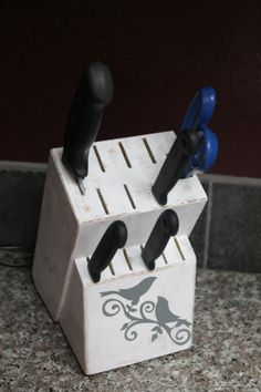 Tutorial DIY shabby chic knife block for just a couple bucks! Easy and such a great idea!