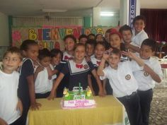 Birthday Party at Colegio Peniel, let's see, with 30 or more kids in the class, how many days off will we have this year?