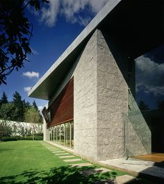 Designed and built by SMA, the Casa Bosques de las Lomas project has a unique contemporary look. Interior Architecture, Interior Design, House, Exterior, Patio, Contemporary, Building, Projects, Houses