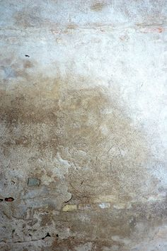 Distressed wall in Italy