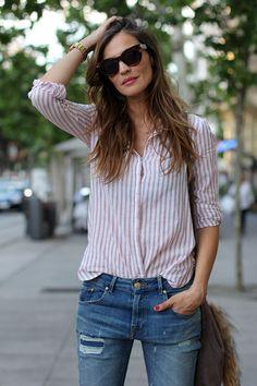 camisa y jeans Zara, bolso Urbaks, zapatos Howsty, gafas Celine by Safilo, reloj y anillos Viceroy, fotos Bilbo.