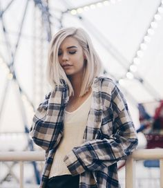 ((fc Amanda Steele)) hey I'm Elliotte. I'm 17. Single and looking. You can usually find me by the beach or the boardwalk. Hmu if you wanna hang. Introduce ?