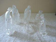 "Vintage 6 Piece Glass Nativity Scene Set "" BEAUTIFUL COLLECTIBLE SET """