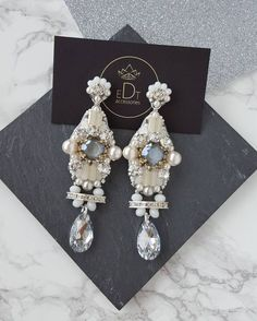 #earrings #bride #wedding #handmade #handmadejewelry #jewelry #jewelrydesigner #jewellery #jewellerydesign #jewels #design #details #style #accessories #edtaccessories #stone #swarovski #swarovskicrystals #pearl #sweet #beads #fashionista #fashion #fashionblogger #womenfashion #elegant #sparkle
