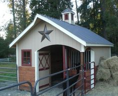 Cute, one horse barn with tack room and covered tacking space. I could maybe use it as a mini barn for the goats! Mini Horse Barn, Small Horse Barns, Mini Barn, Horse Barn Plans, Miniature Horse Barn, Mini Horses, Horse Barn Decor, Miniature Ponies, Horse Barn Designs