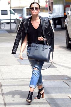Demi Lovato #StreetStyle   #StreetStyle   Pinterest   Demi ...