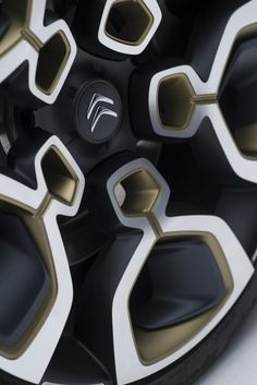 Citroen рассекретил концептуальный люкс-седан CXPERIENCE, разработанный…