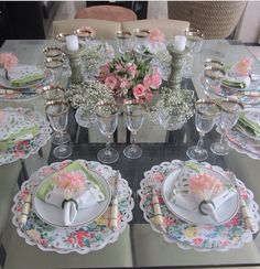 Tablescape Table Setting Design, Elegant Table Settings, Dinner Party Decorations, Decoration Table, Dinner Party Table, Table Arrangements, Deco Table, Pink Christmas, Vintage Table