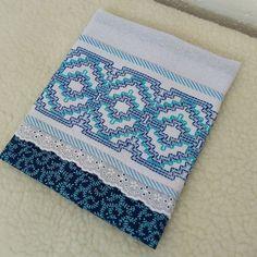 Bargello Needlepoint, Swedish Embroidery, Swedish Weaving, Patches, Lily, Stitch, Blanket, Pattern, Crafts
