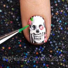 skull nails by Song: Thriller - Michael Jackson Skull Nail Art, Star Nail Art, Skull Nails, Cool Nail Art, Nail Art Designs Videos, Nail Design Video, Nail Art Videos, Cute Nail Designs, Skull Nail Designs