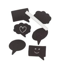 Nieuw bij HEMA: magneetjes in de vorm van tekstballon. Beschilderd met schoolbord verf. Met krijtje!