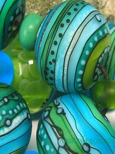 Anastasia - lampwork beads.