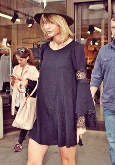 Taylor Swift shopping in Regent Street, London