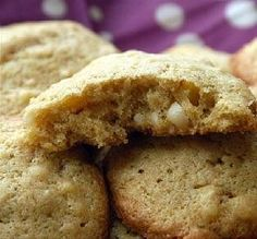 Dutch Almond Cookies (Amandel Koekjes) This is another Dutch recipe with almond paste. It's very traditional - yummy, too. Dutch Recipes, Almond Recipes, Freezer Cookies, Almond Paste, Kinds Of Cookies, Candy Cookies, Freezer Meals, Freezer Recipes, Cooking Recipes