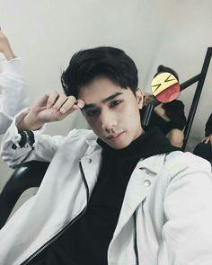 SB19 JOSH AS UR BOYFRIEND Korean Entertainment Companies, Pop Group, Rapper, Boyfriend, Boys, Music, Cute, Exo Lockscreen, Wallpapers