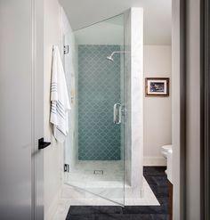 Плитка-чешуйки в ванной