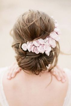 24 Stylish Easy Wedding Hairstyles ❤ See more… #weddinghairstyles