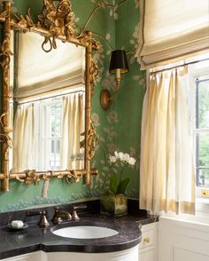 Inspired by the talented Victoria Hagan Interiors beautiful chinoiserie bathroom. #bathroomdesign #chinoiserie #victoriahagan