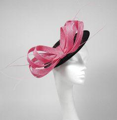 Mihaela negro y rosa Fascinator Kentucky Derby o por Hatsbycressida