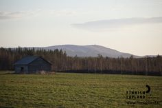 Barn in Luosto National Park in Finnish Lapland. Photo by Jani Kärppä/ Lappikuva. #filmlapland # arcticshooting #finlandlapland