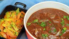 Når kjøttet skal koke lenge blir det en typisk søndagsmiddag. Lise Finckenhagen serverer bestefars bankekjøtt med gulrøtter, purre og potetstappe. Ricotta, Thai Red Curry, Beef Recipes, Stew, Meal Planning, Nom Nom, Food Porn, Food And Drink, Yummy Food