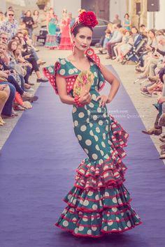 flamencuraweb.com | Vejer Flamenco 2016: Fabiola Spanish Culture, Fashion Art, Flamenco Dresses, Vintage Outfits, Dancer, Prom Dresses, My Favorite Things, Art Photography, Sleeves