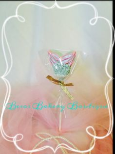 12 adorable mermaid tail cake pops by BesosBakeryBoutique on Etsy