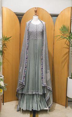 Indian Party Gowns, Indian Dresses, Anarkali Dress, Black Anarkali, Lehenga, Indian Wear, Indian Suits, Indian Style, Indian Designer Wear