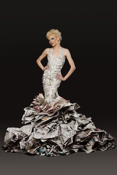 ℘ Paper Dress Prettiness ℘ art dress made of paper - Jennifer Lynn Paper Fashion, Fashion Art, Fashion Show, Fashion Design, High Fashion, Female Fashion, Fashion Trends, Recycled Costumes, Recycled Dress