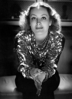 Joan Crawford, photographed by George Hurrell (1934)