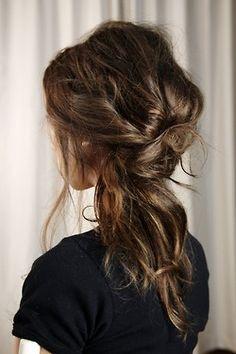 love her hair color Half Updo Hair Tutorial hair hair Hair bun. Make-up. Popular Hairstyles, Messy Hairstyles, Pretty Hairstyles, Wedding Hairstyles, Style Hairstyle, Updo Hairstyle, Hairstyle Ideas, Casual Hairstyles, Hairstyle Short