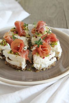 Finger food d'autunno all'Atelier 59 – Juliet's Belly Savory Cheesecake, Cheesecake Recipes, I Love Food, Good Food, Wine Recipes, Cooking Recipes, Look And Cook, Antipasto, Prosciutto