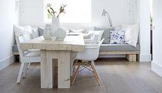 Boden, Tisch, Bank
