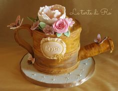 a romantic, delicate, vintage watering can cake…. Cupcake Art, Cupcake Cakes, Cupcakes, Flower Pot Cake, Flower Pots, Flowers, Beautiful Cakes, Amazing Cakes, Diamond Wedding Anniversary Cake