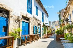 Mooie oude straat in Limassol, Cyprus royalty free stockfoto