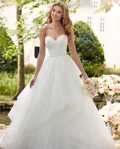 Stella York Wedding Dresses - Search our photo gallery for pictures of wedding dresses by Stella York. Find the perfect dress with recent Stella York photos. Wedding Dresses Plus Size, Princess Wedding Dresses, New Wedding Dresses, Designer Wedding Dresses, Bridal Dresses, Gown Wedding, Wedding Blog, Wedding White, Tulle Wedding