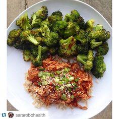 #regramoftheday @sararobbhealth 👏👍 (Recipe on Skinnytaste.com, link in profile) ・・・ #dinner crockpot honey sesame chicken from @skinnytaste over brown rice with roasted broccoli. #yum #skinnytaste #21dayfix charge: 1❤️ 1/2🍊 for chicken, 1💛 for rice, 2💚 1 tsp for broccoli #yummy #F4F #followback #nomnomnom