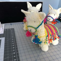 Llama Pillow, Pillows, Sewing, Knitting, Crochet, Projects, Log Projects, Dressmaking, Blue Prints