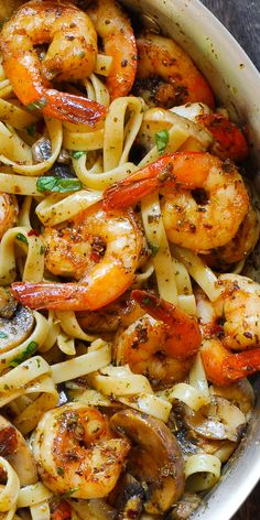 Pesto Shrimp Fettuccine - Pesto Shrimp Pasta is an easy one pot pasta dish that is ready in about 20 minutes! Shrimp Dishes, Shrimp Pasta Recipes, Seafood Recipes, Chicken Recipes, Cooking Recipes, Healthy Recipes, Healthy Shrimp Pasta, Recipes Dinner, Sauce Recipes
