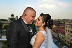 Four Square, Couple Photos, Couples, Wedding Dresses, Fashion, Joy Of Life, Couple Shots, Bride Dresses, Moda