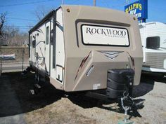 2016 New Forest River Rockwood 2604ws Travel Trailer in Ohio OH.Recreational Vehicle, rv, 2016 Rockwood 2604ws 2016 29ft with 2 slides You're gonna love this ultra light trailer which can be pulled by most 1/2 ton trucks. Financing available at excellent rates.