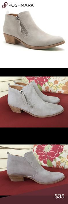 "Qupid gray booties ankle boots side-zip Brand New pair of Sochi booties/ankle boots by Qupid.  Size 10, light gray suede.  1.5"" heel.  Zipper on side.  True to size. Qupid Shoes Ankle Boots & Booties"