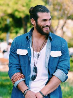 01. Fav male character Can Divit Not the typical dull romcom lead he's full of life, funny, smart, and loving. I love that he's portrayed strong and confident but we've seen him jealous, smol, and insecure when it comes to his Sanem. Can also has his flaws but we stan regardlesspic.twitter.com/oGryMSm0MS Turkish Men, Turkish Actors, Beautiful Men Faces, Gorgeous Men, Stylish Men, Men Casual, I Love Beards, Peinados Pin Up, Man Dressing Style