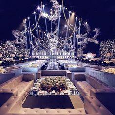 Wedding setup goals  •••••••••••••••••••••••••••• Wedding planner : Baz events @bazevents. Photographer : Edgar makhoul @edgarmakhoul Video : ParAzar production @parazarme. Floral decoration : Ikebana @ronibassil. Wedding venue : Biel beirut. •••••••••••••••••••••••••••••• #lebaneseweddings @doujabourgi