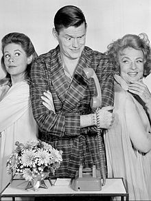 Bewitched cast 1964.jpg