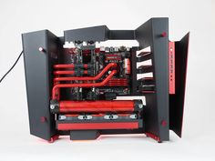 Nice custom build Rig's for a high end gaming PC build.  Gigabyte Z97X-Gaming 7 Gigabyte GeForce GTX 980 Core i7-4790K  Main attractions includes 16GB of RAM, 2 x high end gaming graphics cards and powerful processor. The eye catching red valves are for the water cooler, the case has it's own style too. ** Credit to PB Tech.