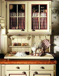 Old cabinet – Top Trend – Decor – Life Style Primitive Kitchen, Cozy Kitchen, Rustic Kitchen, Vintage Kitchen, Kitchen Decor, Kitchen Dresser, Glass Kitchen, Küchen Design, House Design