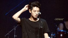 Jung Joon Band in the Hongdae Live Club Day JJY vs the annoying hairpin kkkk Cr: Jung Joon Young, Hongdae, Happy Pills, Actor Model, Hair Pins, Drugs, Actors, Concert, Bobby Pins