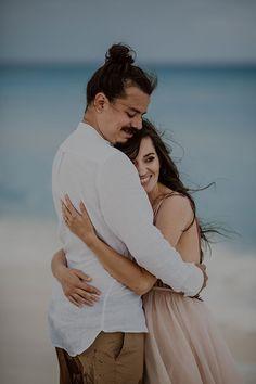Romantic Cancun Portrait Session | Wedding | Wedding Photography | #brideandgroom #wedding #weddingphotography | https://www.starlettadesigns.com/